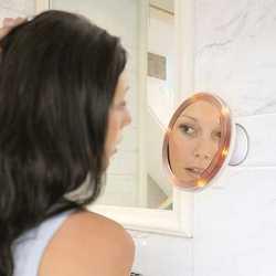 Specchio illuminato con ventosa
