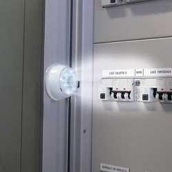 Luce magnetica a 6 LED bianchi con sensore