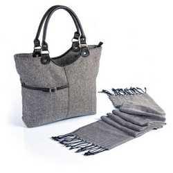 Set moda con borsa e sciarpa