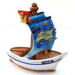 Barca in resina con Sicilia cm 8x8