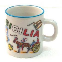 Boccale in ceramica con Sicilia cm 5x5