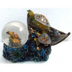 Souvenir Bolla in vetro con Tartarughe in resina cm 8.5x8x4.5