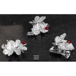 Bomboniera Farfalla su fiore in resina cm 6 Set 3 pz assortiti