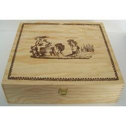 Cassetta in legno 37x35x10 cm