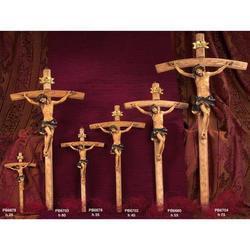 Croce in legno da cm 60 con Corpo di Cristo in resina