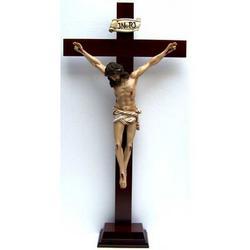 Croce con base legno cm 79x40 e Cristo resina cm 50x33