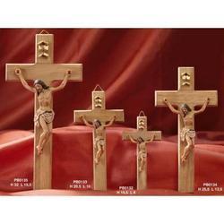 Cristo in resina con croce in legno da cm 15.5