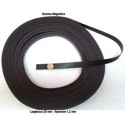 Gomma magnetica mm 20x1.2 da 1 metro