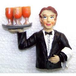 Magnete cameriere con calici cm 8.5 in resina