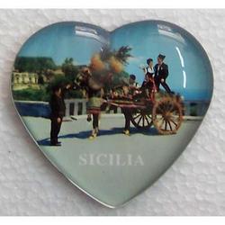 Magnete a forma di cuore con carretto cm 6x6.5 in vetro
