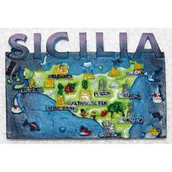Mappa Sicilia Souvenir in resina con calamite cm 8.5x5