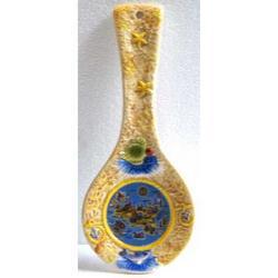 Poggiamestolo con mappa Sicilia in ceramica cm 26x11