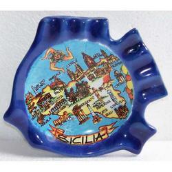 Posacenere pesce con mappa Sicilia in ceramica cm 12,5