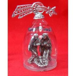 Presepe in metallo argentato con campana di vetro h 80 mm