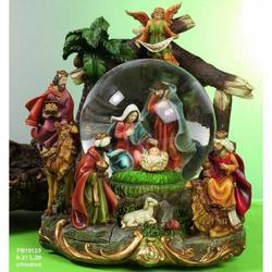 Sfera in vetro con Nativita in resina e musica cm 21