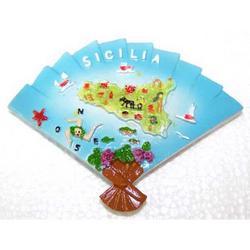 Ventaglio con Sicilia in resina cm 9x7 con magnete