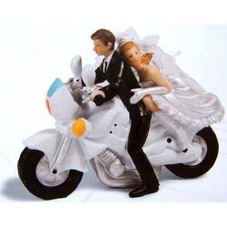 Statua di Sposi con Moto in resina da cm 12