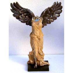 Statua della dea Nike di Samotracia in resina cm 21