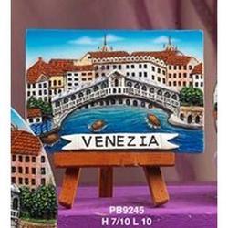 Souvenir veduta di Venezia cm 10x10x7 in resina